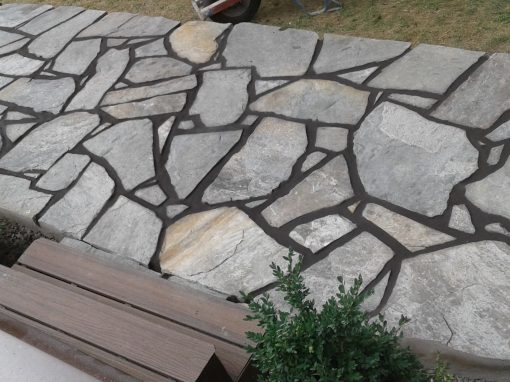 Dove Grey Flagstone with Black Mortar